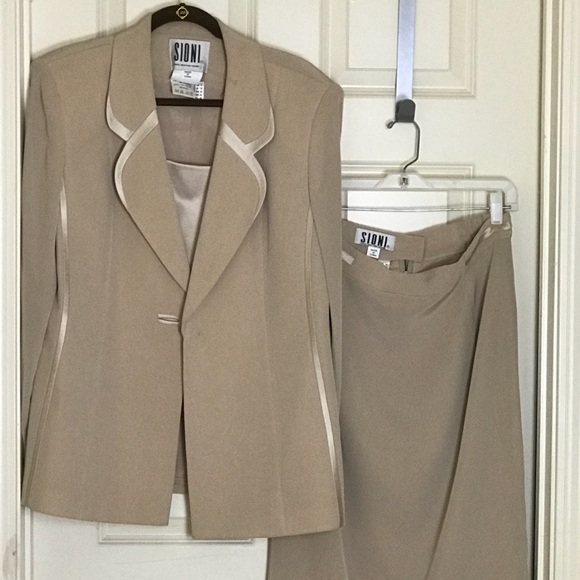 Sioni Other - SIONI _Paris-New York-Milano_Runs Small_Skirt Suit